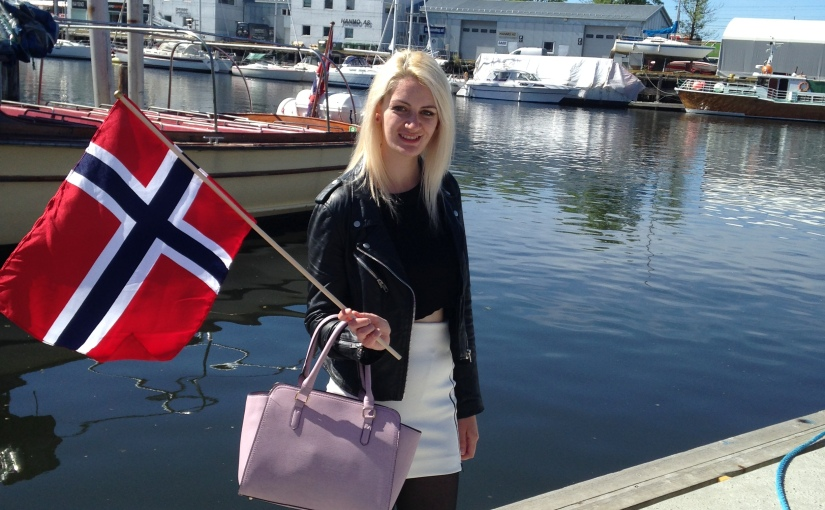 Wednesday Women: Elle from Dressing Danishly